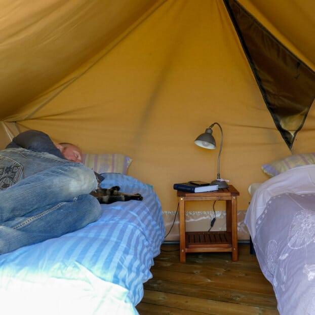 Intérieur de la tente